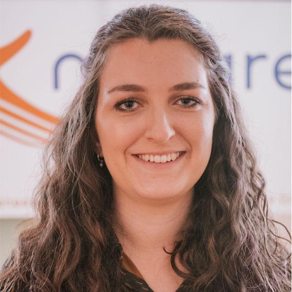 Simone Kramer (v)